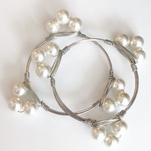 Jewelry - *** Pearl Bangle Bracelet 2 pieces set